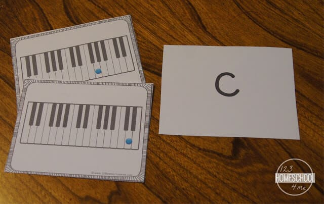free printable piano note flashcards for helping kids get music fluency while learning to play the piano